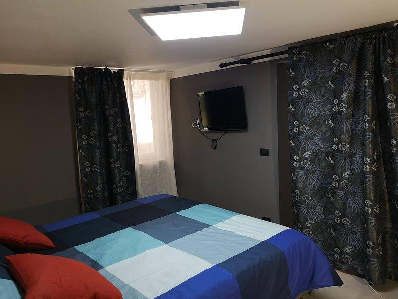 Palazzo Lagioia 2: lussuoso mini appartamento ristrutturato in palazzo liberty, casa vacanza a Casamassima