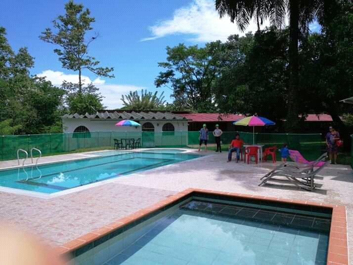 Zona de camping hacienda el Jardín, holiday rental in Cumaral