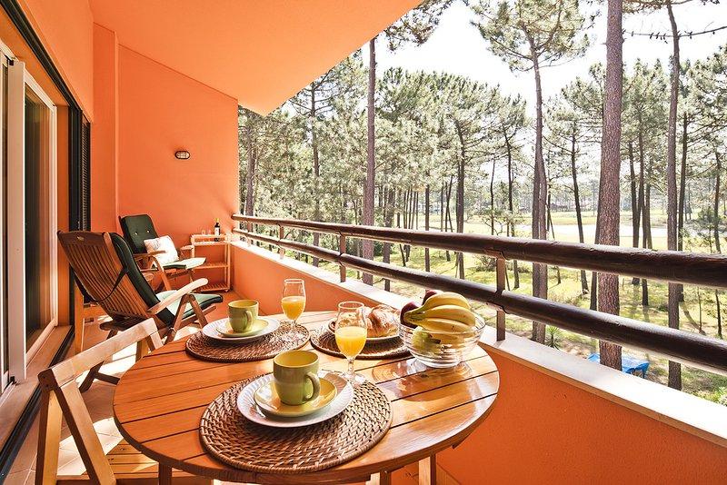 Aroeira Golf Apartment (C94), vacation rental in Verdizela