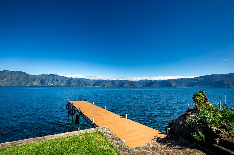 Luxurious Lake Front Property/Families/Couples, Ferienwohnung in Santa Catarina Palopo