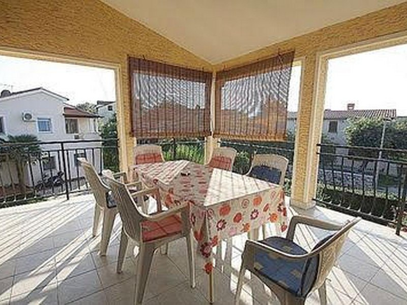 Apartman Bruna, holiday rental in Veli Maj