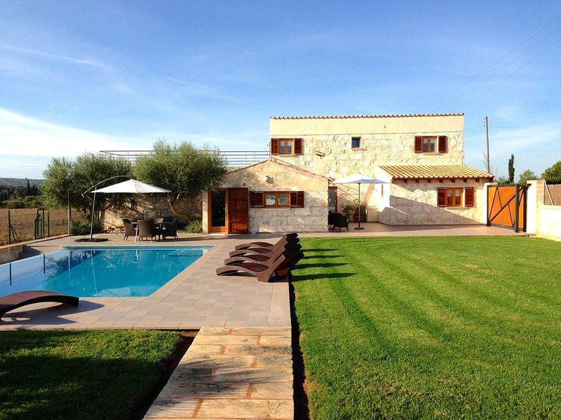 VINAGRELLA - Villa for 6 people in Llubi, holiday rental in Muro