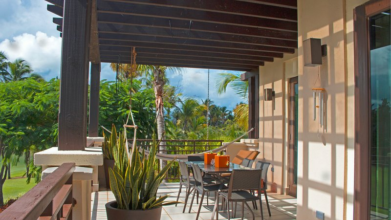 vrDesigner Villa in Bahia Beach Luxury Resort - Tropical Mountain View, vacation rental in Canovanas