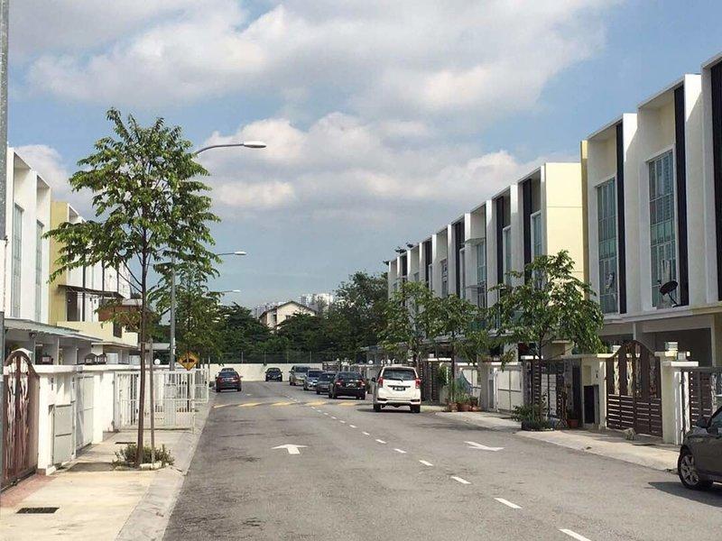 5Room TSS Crib HomeStay, holiday rental in Serendah
