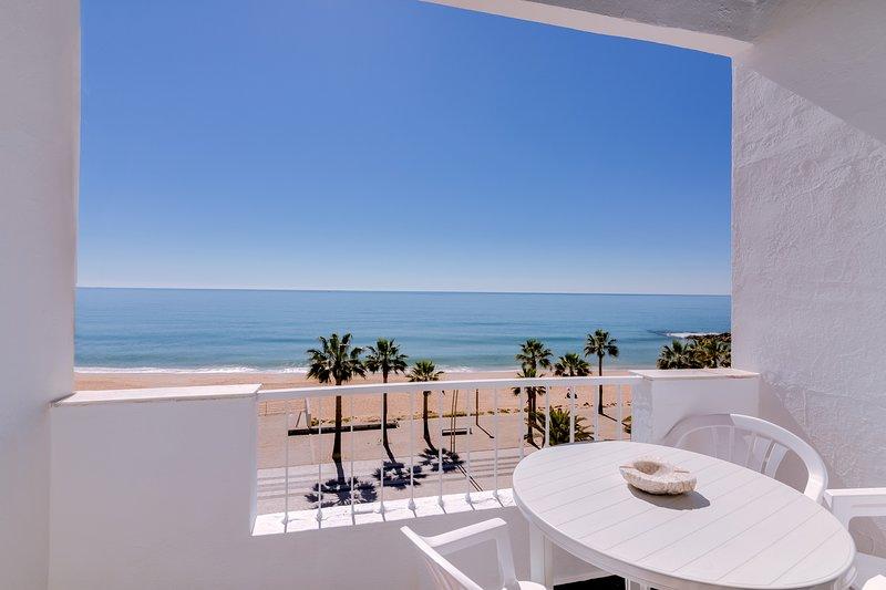 Maresia - Front beach - Quarteira, alquiler vacacional en Quarteira
