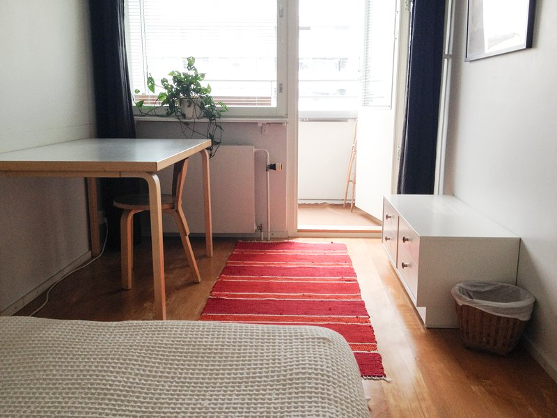 Quiet room with balcony, holiday rental in Uusimaa