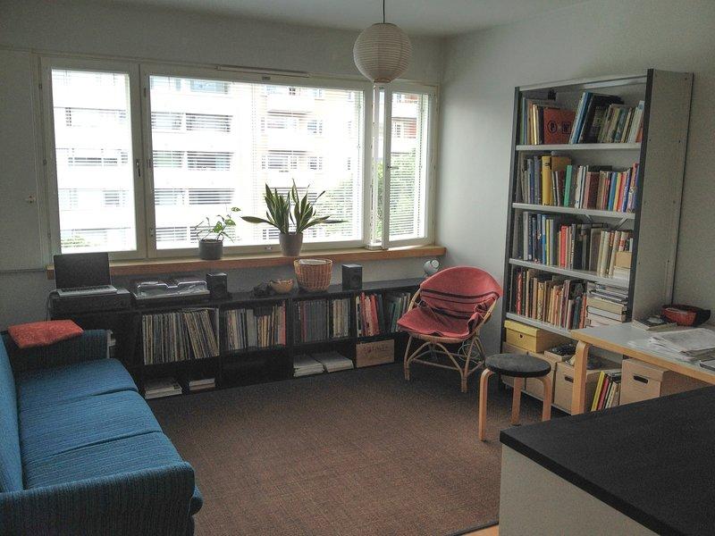 Living room where the host sleeps.