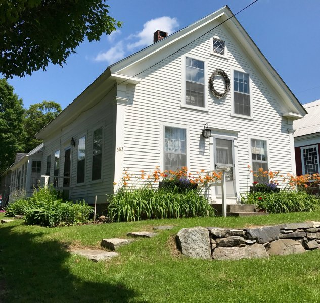 'Stasie's Place' EAST BURKE, VT - Kingdom Trails !, vacation rental in Glover