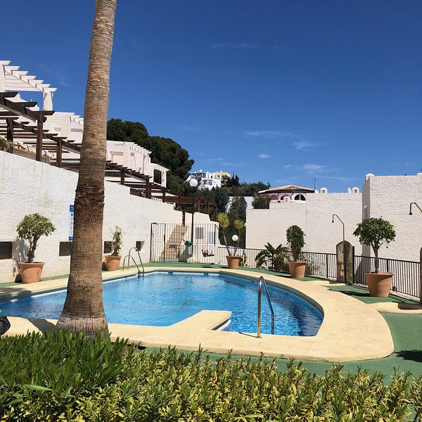Arabe Apartment - 2 Bedrooms close to Mojacar beach, holiday rental in Playa Macenas