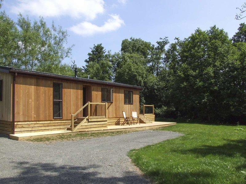 Luxury Riverside holiday lodge with views - Alder, Clun Valley Lodges,, holiday rental in Broome