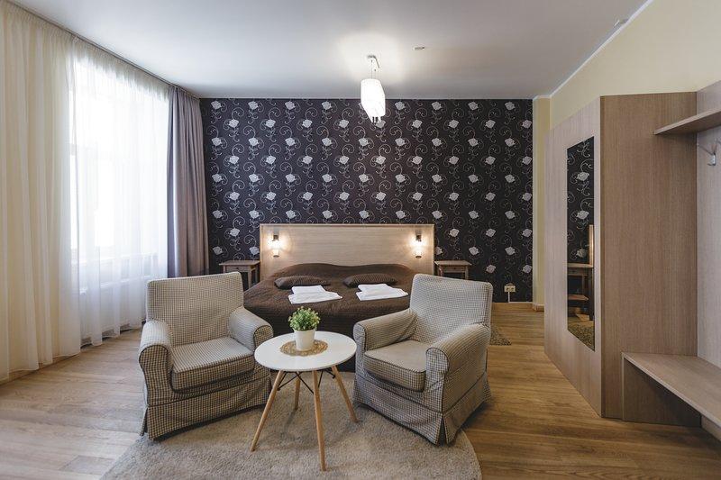 Studio Apartment with Balcony, location de vacances à Riga