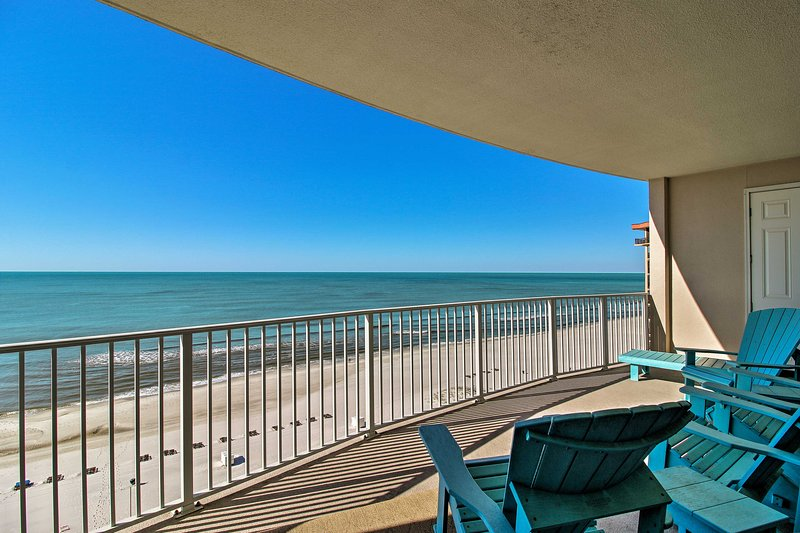 This Orange Beach vacation rental condo is perfect for groups of 6!