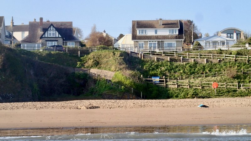 Spacious Holiday Home by the Beach, vacation rental in Tan-y-groes