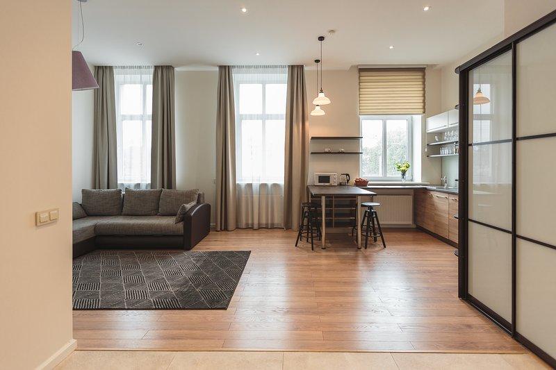 Amplio, bellamente decorado y diseñado para crear un ambiente tranquilo y agradable.