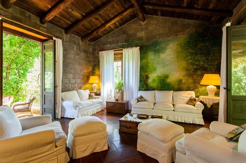 Villa Mellicata, Ferienwohnung in Sant'Agata sui Due Golfi