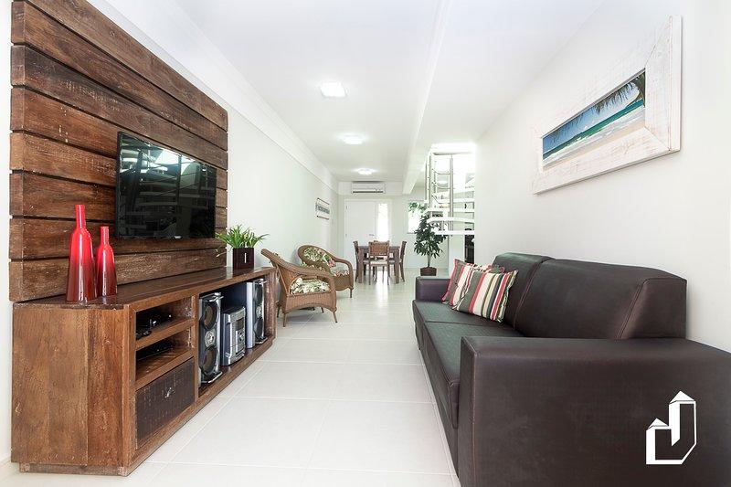 Triplex - 03 Suítes, holiday rental in Bombinhas