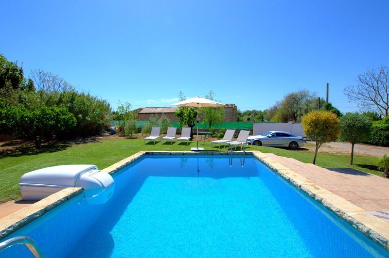 Finca with private pool and basketball, holiday rental in Inca