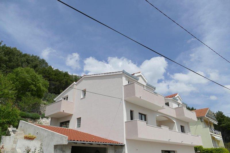 Three bedroom apartment Klis, Split (A-16979-a), vacation rental in Klis