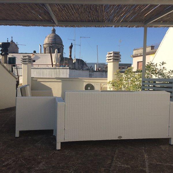 Amazing apt with terrace & balcony, holiday rental in Ceglie Messapico