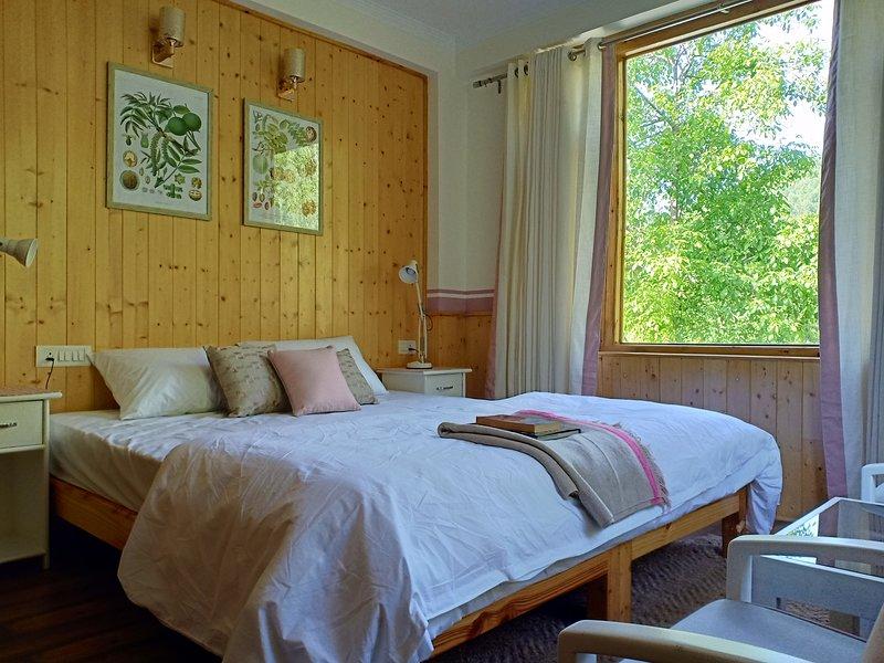 Pehlingpa home - River facing,First floor - Bedroom 3, location de vacances à Shuru