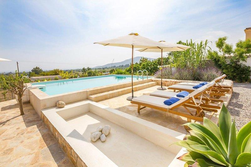 Villa Can Sunyer Ibiza | Vista al mar & Wifi gratis, location de vacances à Sant Jordi de ses Salines