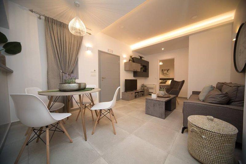 Villa Kamara Santorini-Luxury Villa Markakis up to 5pax, vacation rental in Kamari