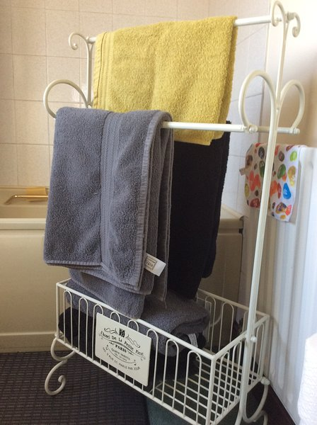 Frische Handtücher werden gestellt