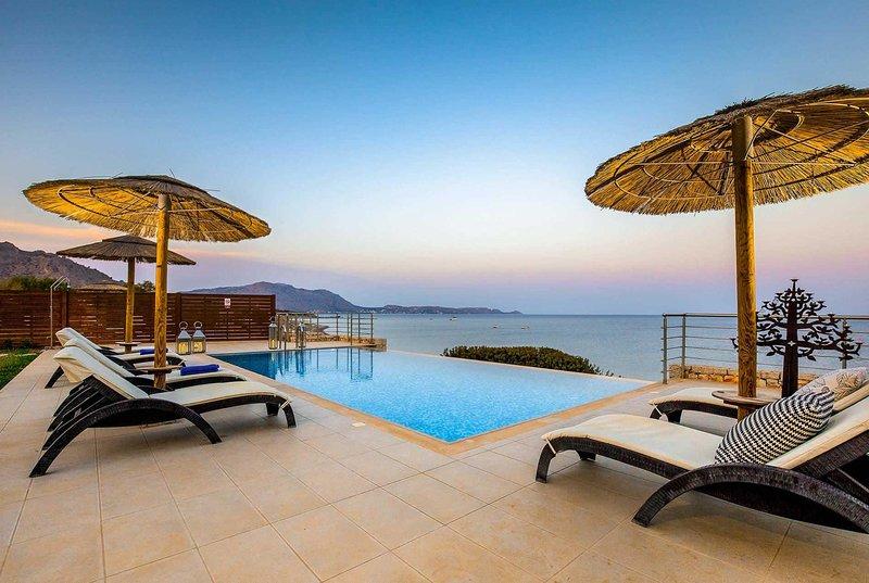 3 bed villa, stunning  beachfront locaton, holiday rental in Kiotari