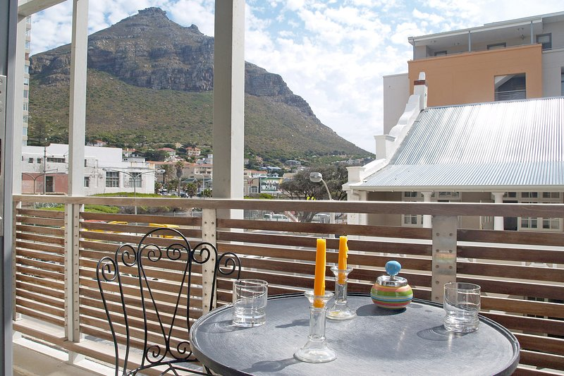 The Waves, holiday rental in Muizenberg
