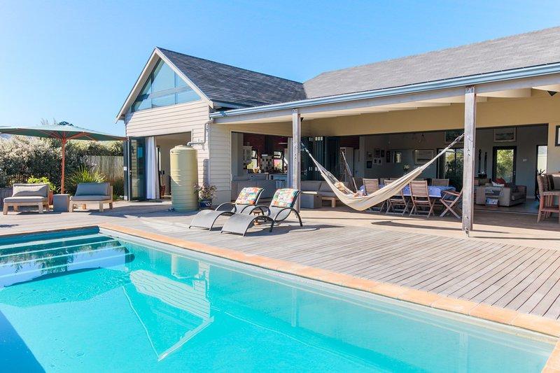 LUXURY LAKE MICHELLE VILLA - NOORDHOEK CAPE TOWN, vacation rental in Noordhoek