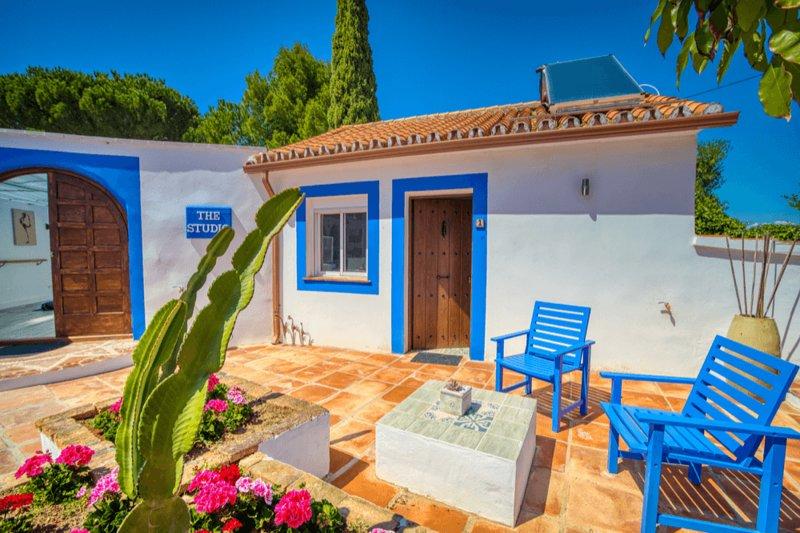 The Palms Spain Yoga Resort, holiday rental in Cartama