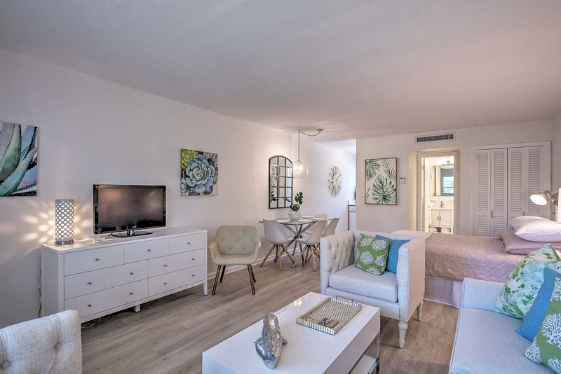 Experience Naples in style at this newly renovated vacation rental studio!