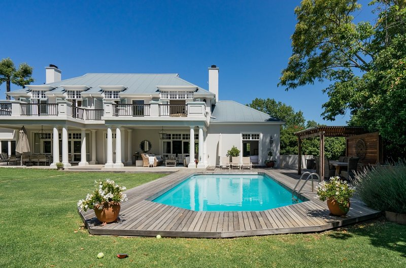 Gorgeous home in Constantia - Luxury Villa, holiday rental in Cape Town