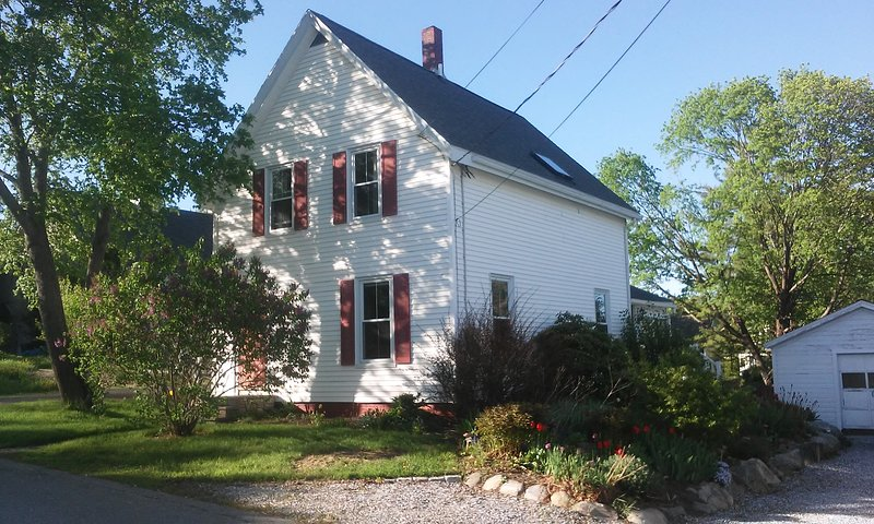 Terrific Rockland house available for monthly-plus rental, alquiler de vacaciones en Rockland