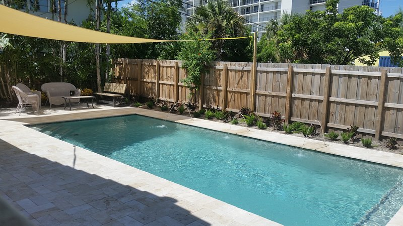 House and Pool By the Beach, holiday rental in Pompano Beach
