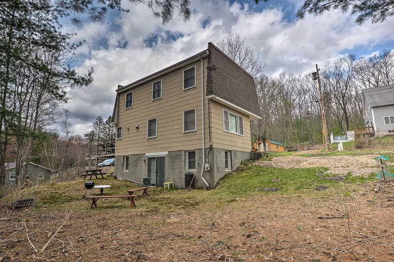 From this home, you'll be minutes from Lake Minnewaska and Woodstock!
