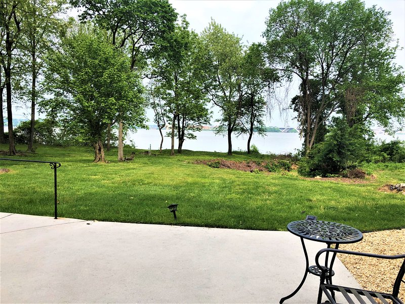 Serenity & Luxury on The Potomac, holiday rental in Fort Washington