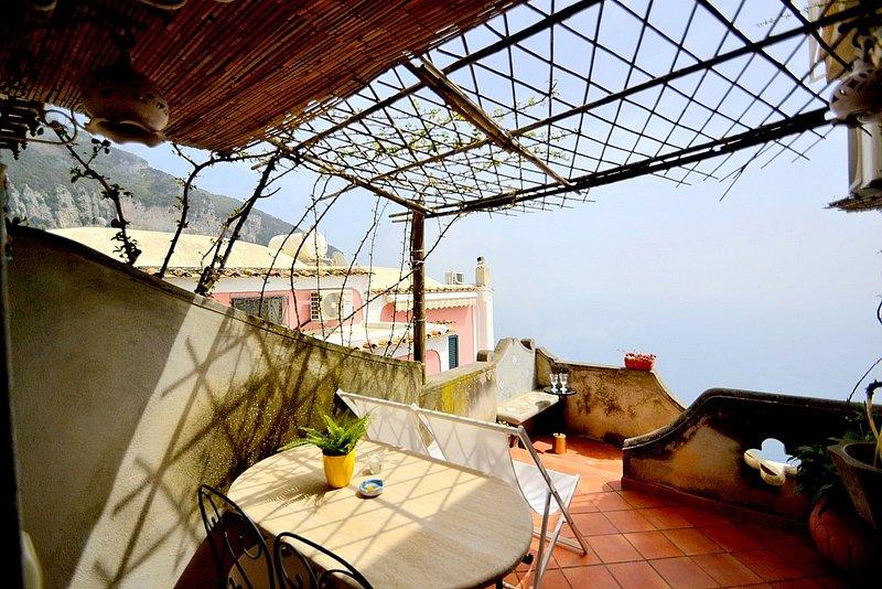 Bomerano Villa Sleeps 2 with Air Con and WiFi - 5228684, holiday rental in Nocelle