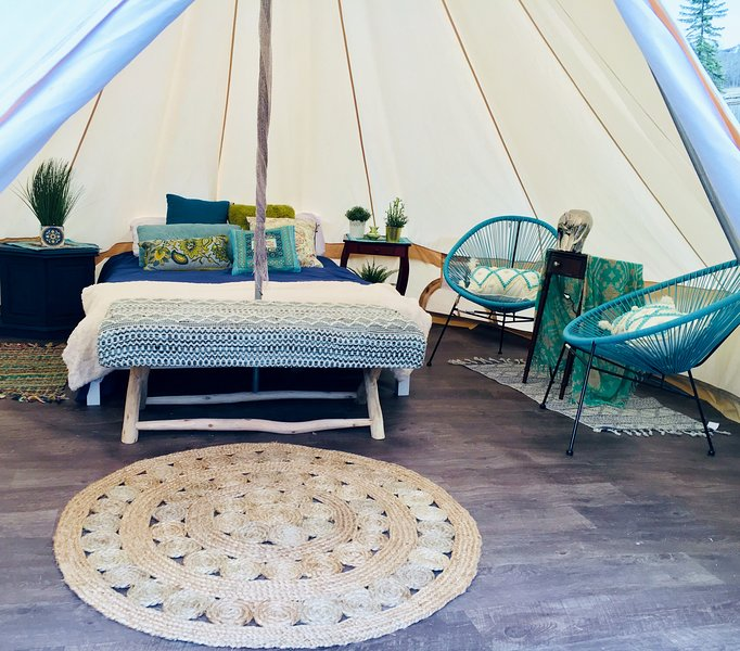 Boho Daydreams Luxury Tent, holiday rental in Nanaimo