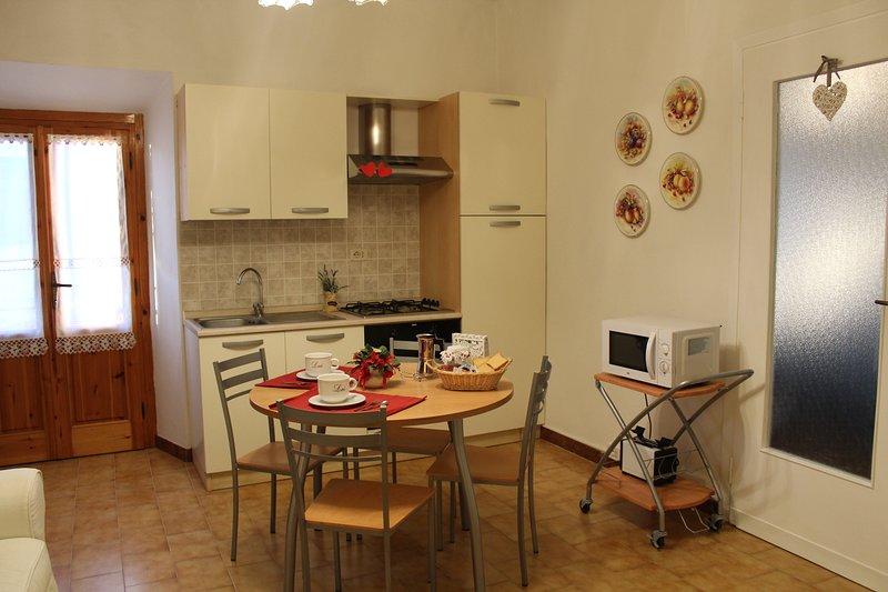 A casa di Vanda - appartamento nel cuore della campagna toscana a 30 min da Pisa, vacation rental in Casciana Terme Lari