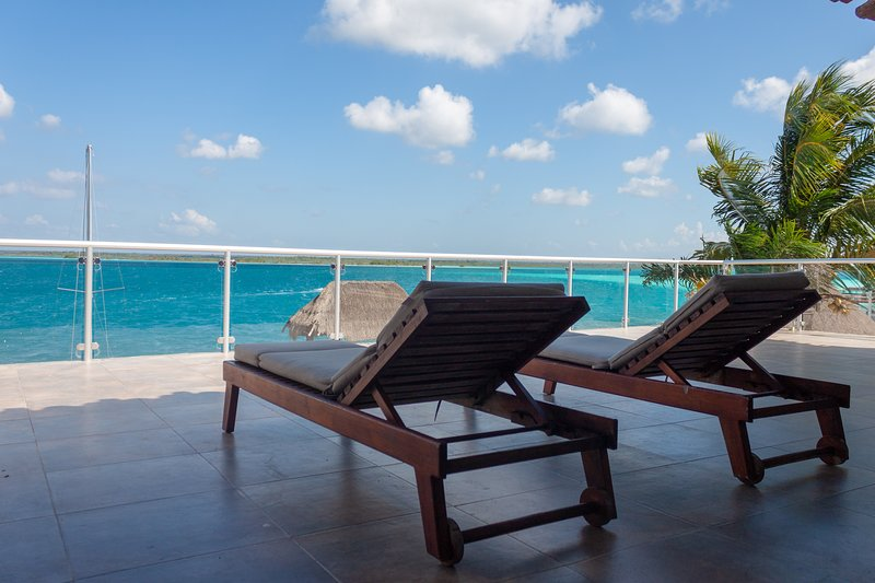 Costera 171 | Guest House & Beach Club, holiday rental in Bacalar