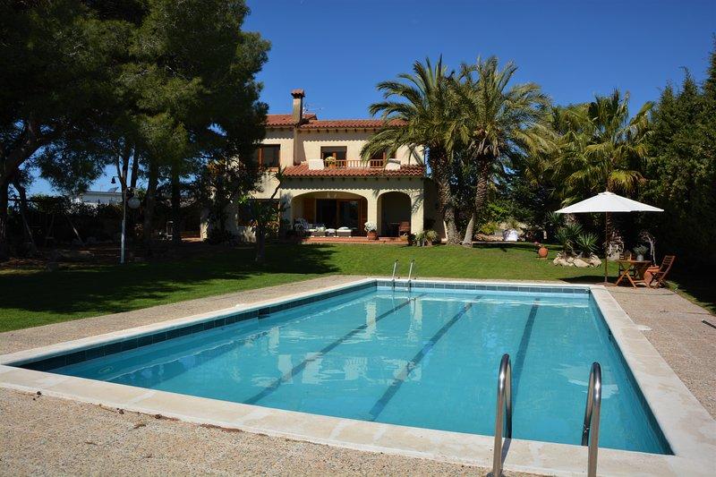 Villa Sitges Colibri. A 12 minutos de Sitges - Villa renovada en 2019, alquiler de vacaciones en Vilanova i la Geltrú