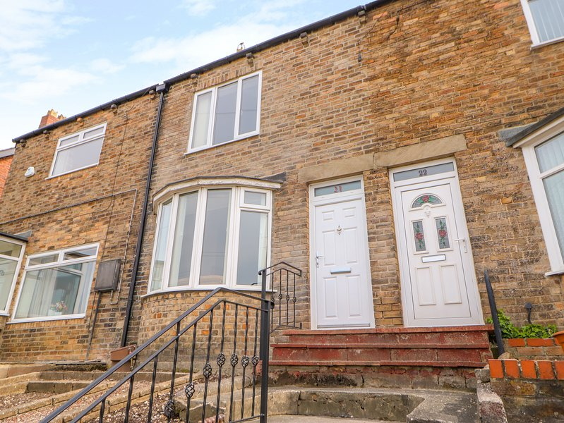 21 BEARL VIEW, pet-friendly, WiFi, in Stocksfield, holiday rental in Shotley Bridge