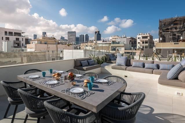 WE TRUST INN ®⎜�Sea,�Sun & Rooftop, holiday rental in Jaffa