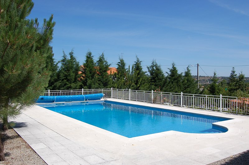 Amazing house with swimming-pool, vacation rental in Fuentes de Onoro