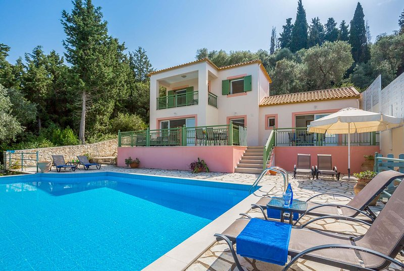 3 bedroom villa w/sea views. A/C  & infinity pool, vacation rental in Loggos