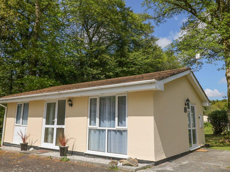 BROOK COTTAGE, pet-friendly bungalow, WiFi, patio, close Liskeard Ref 934296, location de vacances à Liskeard