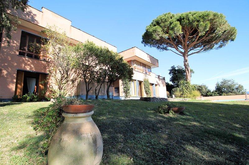 ILA12169 Villa Limoni, vakantiewoning in Cogoleto