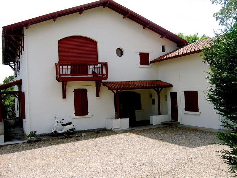 SAN JUAN DE LUZ APTO , TRANQUILIDAD, WIFI,, location de vacances à Saint-Jean-de-Luz