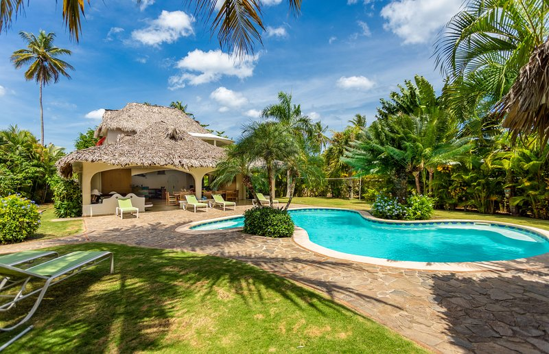 Charming Villa SAN LUCAS : spacious and atypical !, aluguéis de temporada em Las Terrenas